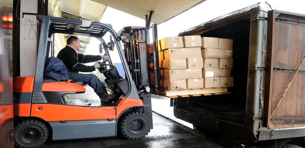 Electric Forklifts Save Money on Fuel and Maintenance